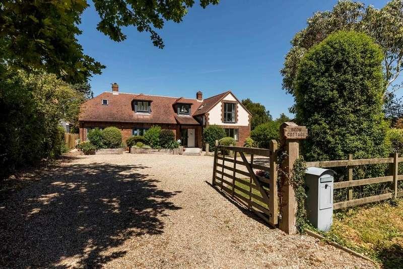 4 Bedrooms Detached House for sale in Smugglers Lane, Bosham