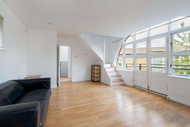 2 Bedrooms Flat for sale in Bruges Place, Camden, London, NW1