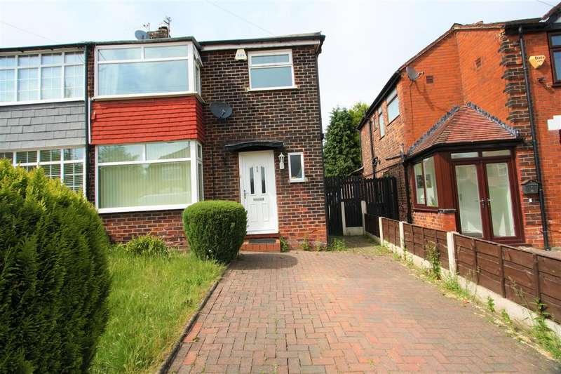 3 Bedrooms Semi Detached House for sale in Lyndhurst Avenue, Prestwich