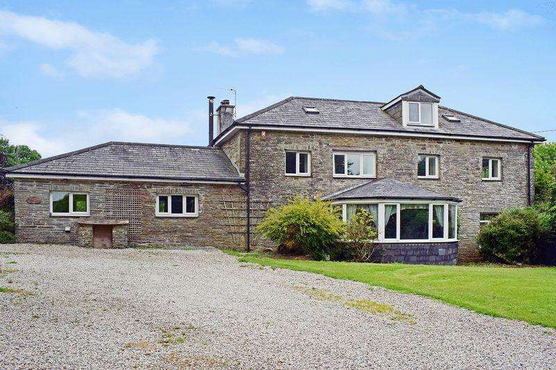 4 Bedrooms Detached House for sale in Menheniot, Cornwall