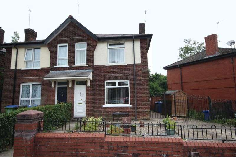 2 Bedrooms Property for sale in Brotherod Hall Road, Rochdale
