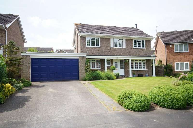 4 Bedrooms Detached House for sale in Sutton Close, Nettleham