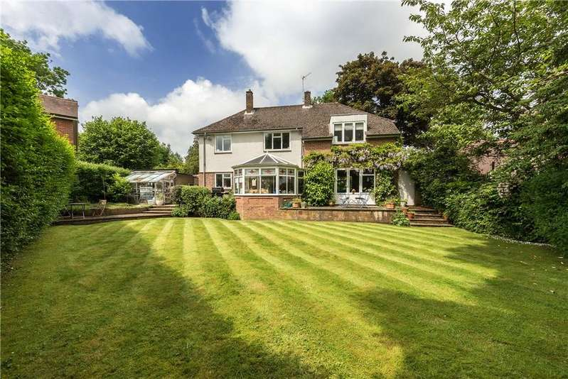 5 Bedrooms Detached House for sale in Graemesdyke Road, Berkhamsted, Hertfordshire, HP4