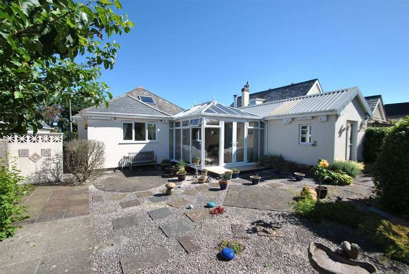 2 Bedrooms Detached Bungalow for sale in Stratton Road, Bude