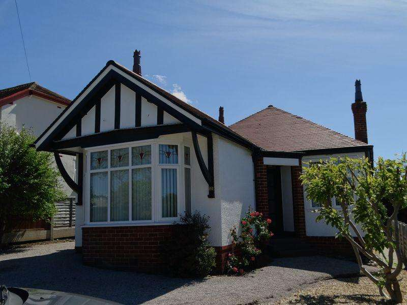 2 Bedrooms Detached Bungalow for sale in Llandudno Road, Colwyn Bay