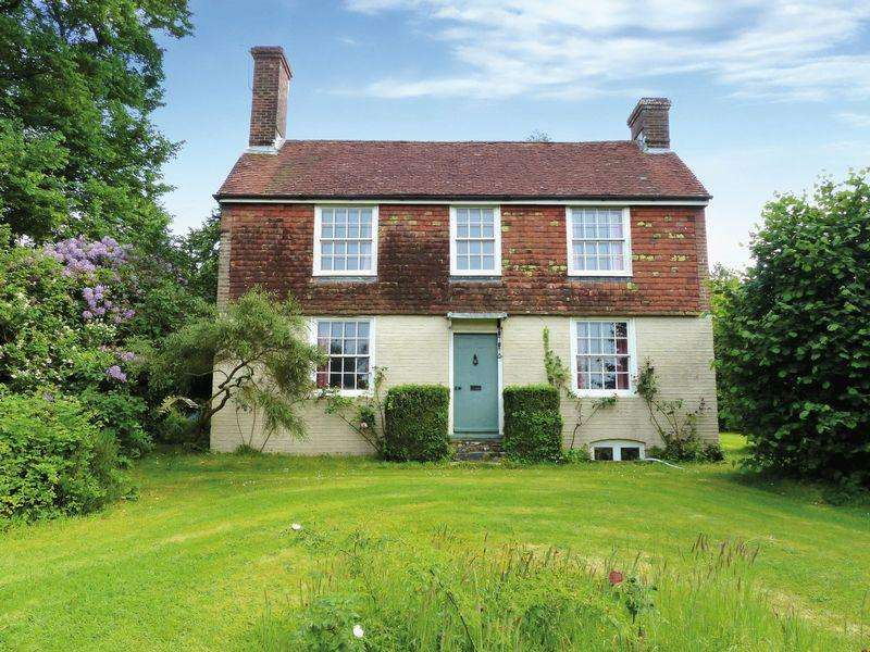 4 Bedrooms Detached House for sale in Northiam, East Sussex