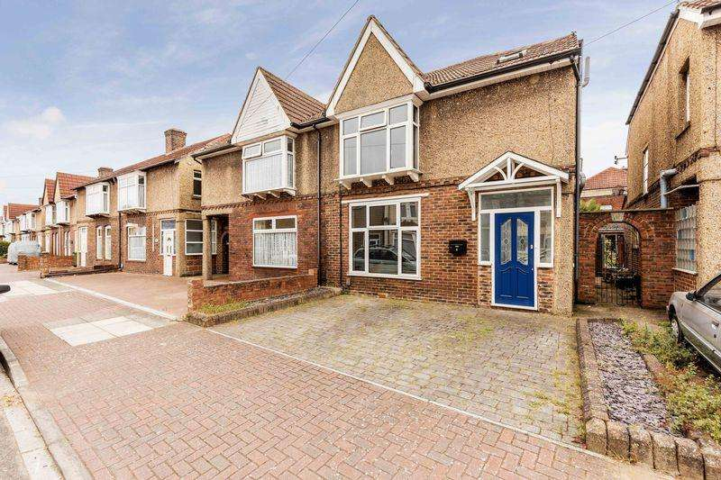 3 Bedrooms Terraced House for sale in Keswick Avenue, Portsmouth