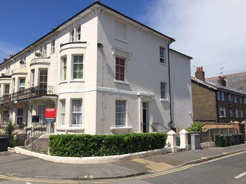 2 Bedrooms Block Of Apartments Flat for sale in Cavendish Place, Eastbourne