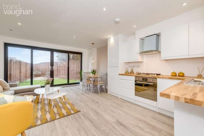 2 Bedrooms Semi Detached House for sale in Kimberley Road, Brighton, BN2