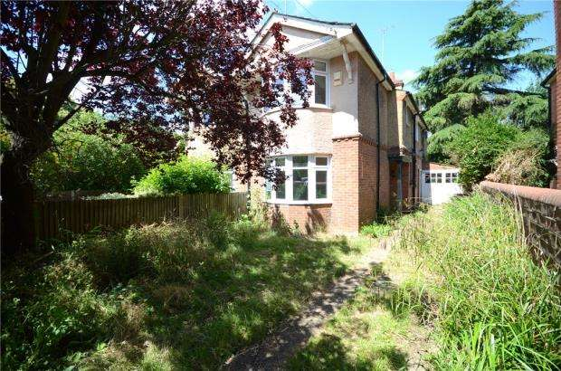3 Bedrooms Semi Detached House for sale in Crescent Road, Reading, Berkshire