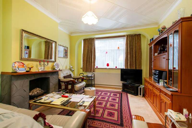 3 Bedrooms Semi Detached House for sale in Abercairn Road, Streatham Vale, SW16