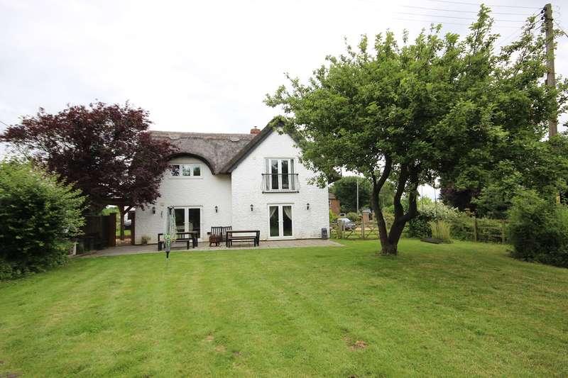 4 Bedrooms Cottage House for sale in Ampthill Road, Lidlington, MK43