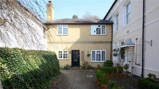 3 Bedrooms Terraced House for sale in Altmore, Cherry Garden Lane, Maidenhead