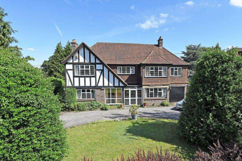 5 Bedrooms Detached House for sale in Downside Road, Guildford