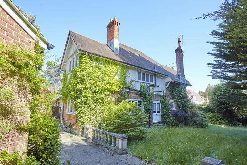 5 Bedrooms Detached House for sale in Westminster Road, Branksome Chine, Poole, Dorset BH13