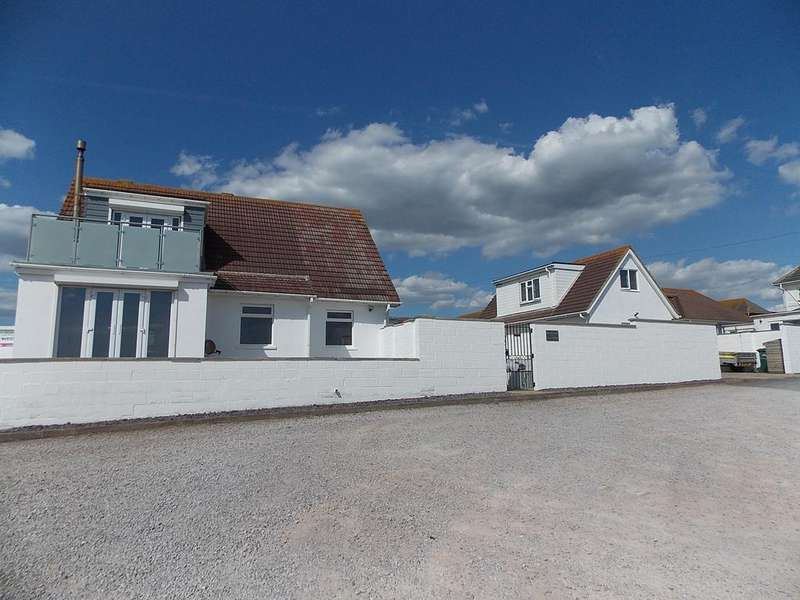 3 Bedrooms Chalet House for sale in Cavell Avenue, Peacehaven, East Sussex