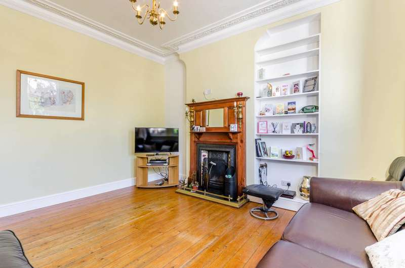 4 Bedrooms End Of Terrace House for sale in Estreham Road, Streatham Common, SW16