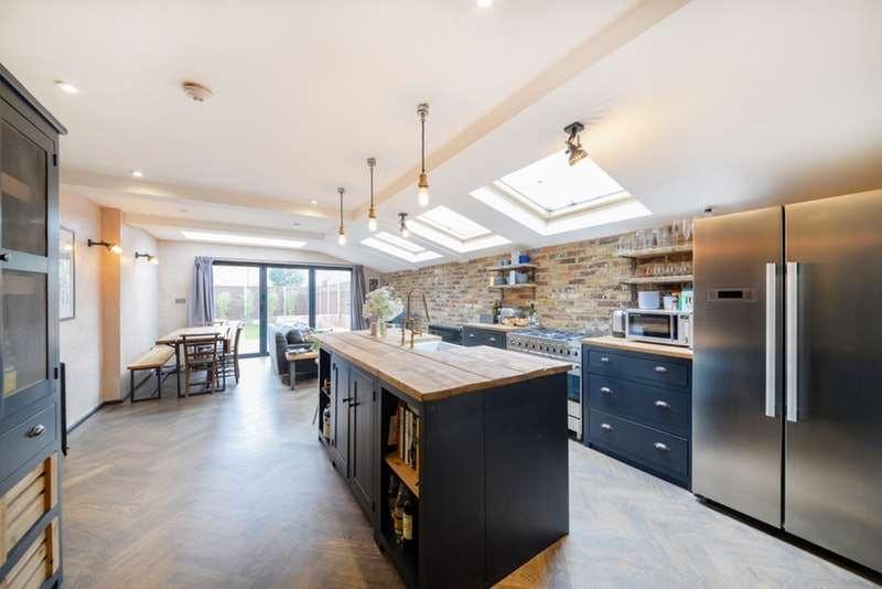 4 Bedrooms Terraced House for sale in Camplin Street, London, London, SE14
