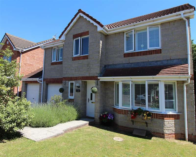 4 Bedrooms Detached House for sale in Bampton Close, Emersons Green, Bristol
