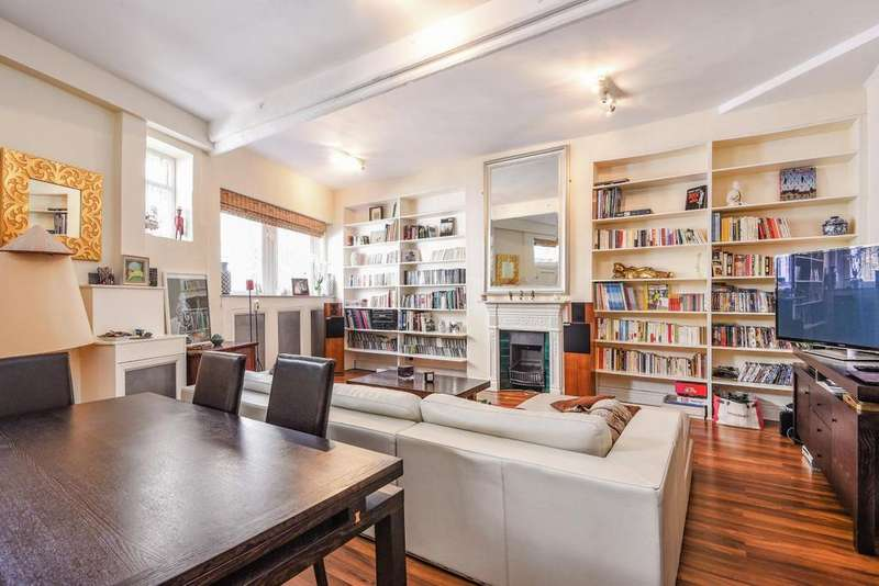 3 Bedrooms Mews House for sale in Dove Mews, South Kensington