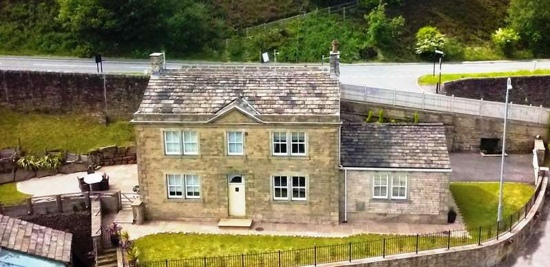 5 Bedrooms Detached House for sale in Manor House Farm, Dobcross, Saddleworth