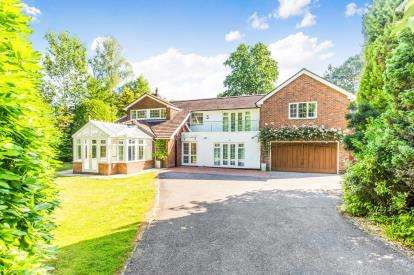 5 Bedrooms Detached House for sale in Lyndhurst, Southampton, Hants