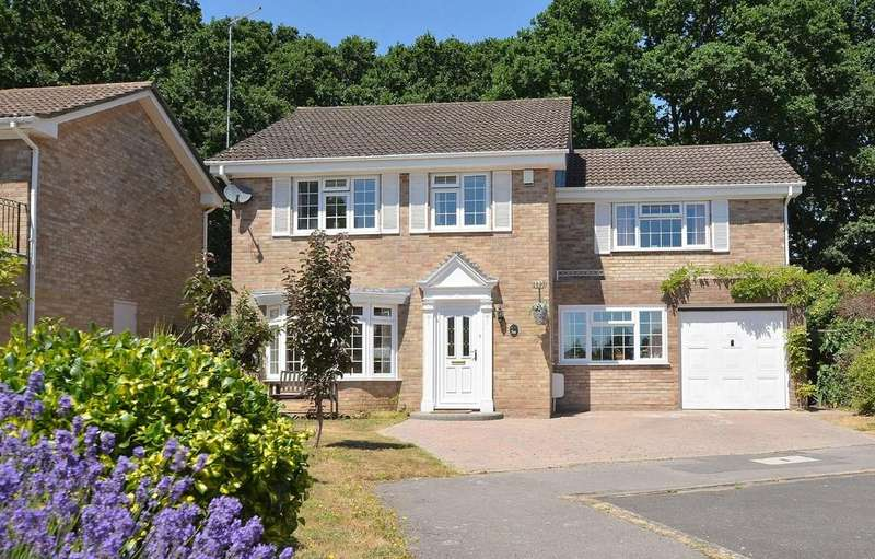 4 Bedrooms Detached House for sale in Sarum Avenue, West Moors