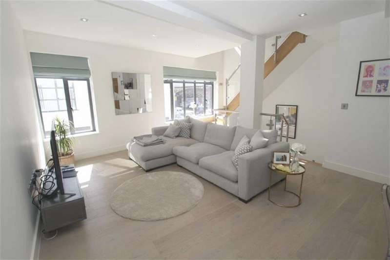 2 Bedrooms House for sale in Southern Street, Manchester