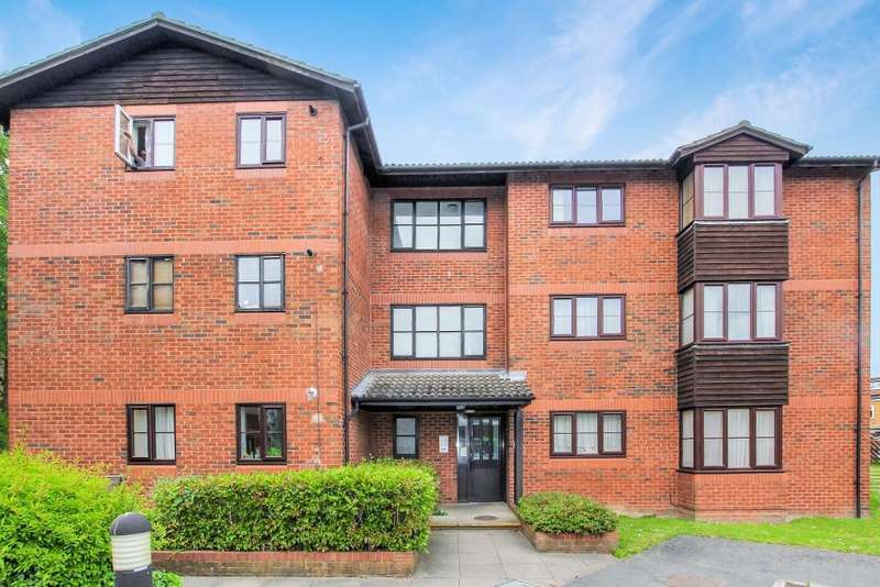 1 Bedroom Apartment Flat for sale in West Street, Watford, Herts, WD17 1RY