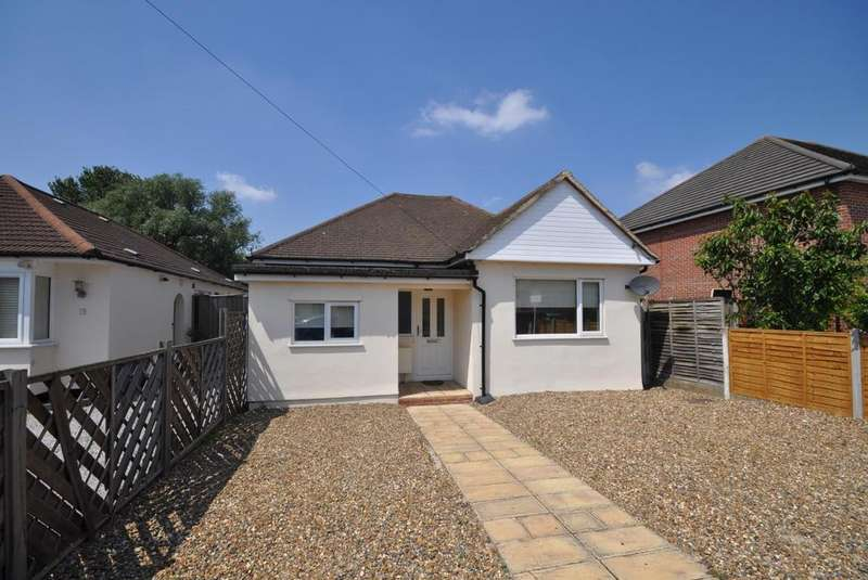 3 Bedrooms Detached Bungalow for sale in Betterton Road, Rainham, Essex, RM13