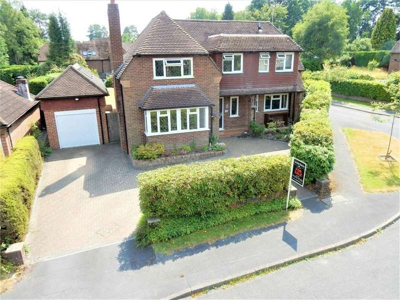 4 Bedrooms Detached House for sale in Spring Woods, SANDHURST, Berkshire