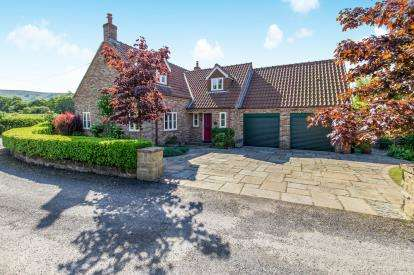 4 Bedrooms Detached House for sale in Battersby, Great Ayton, North Yorkshire