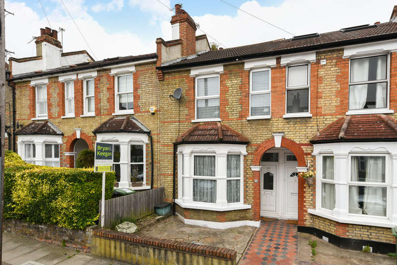 3 Bedrooms Terraced House for sale in Salehurst Road, Brockley, London SE4 1AW