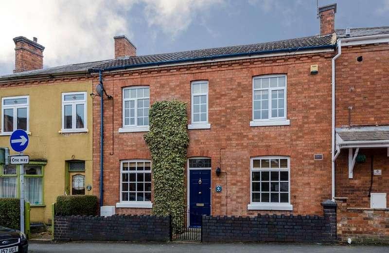 3 Bedrooms Terraced House for sale in Albert road, Hinckley