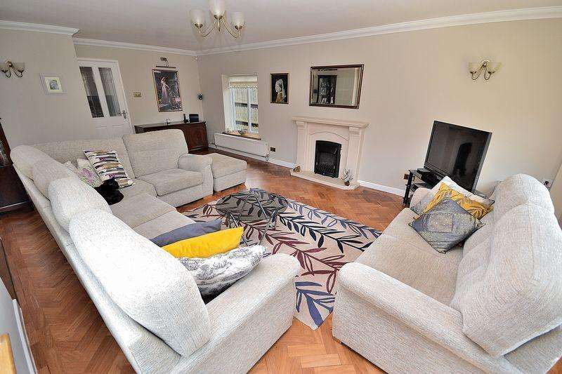 5 Bedrooms Detached Bungalow for sale in Taylor's Ride, Leighton Buzzard
