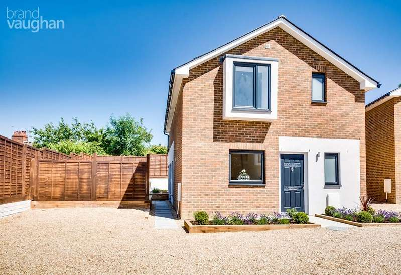 4 Bedrooms Detached House for sale in Kimberley Road, Brighton, BN2
