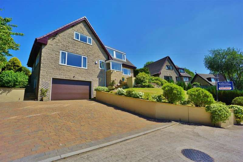 4 Bedrooms Detached House for sale in Wilpshire Banks, Wilpshire