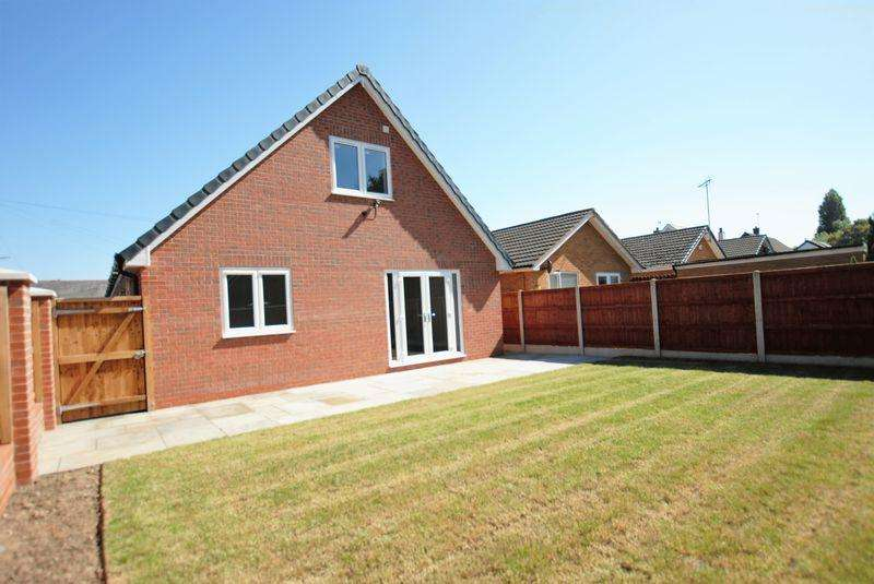 3 Bedrooms Detached Bungalow for sale in Birch Avenue, Upton