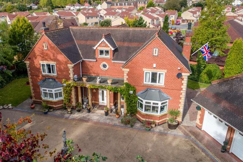 4 Bedrooms Detached House for sale in Quarry Lane, Brampton