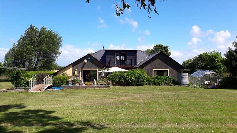 4 Bedrooms Detached House for sale in The Break, Golden Hill, Pembroke, Pembrokeshire