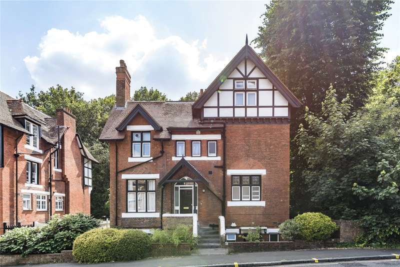 3 Bedrooms Flat for sale in Crystal Palace Park Road, London, SE26
