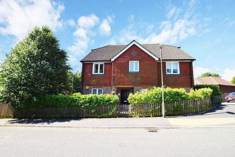 5 Bedrooms Detached House for sale in Green Lane, Heathfield