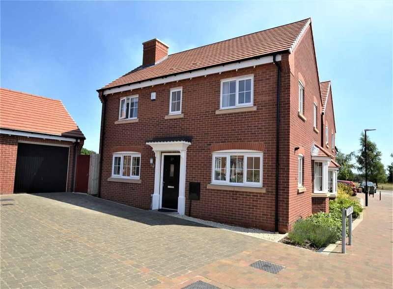 3 Bedrooms Detached House for sale in Pilgrim Drive, Chorley