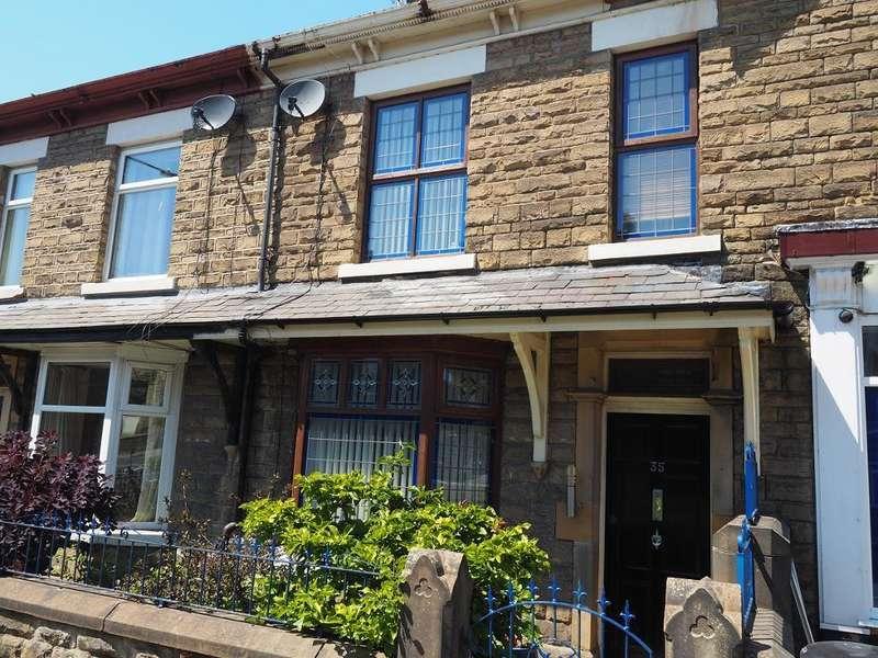 3 Bedrooms House for sale in Church Road, New Mills, High Peak, SK22 4NJ