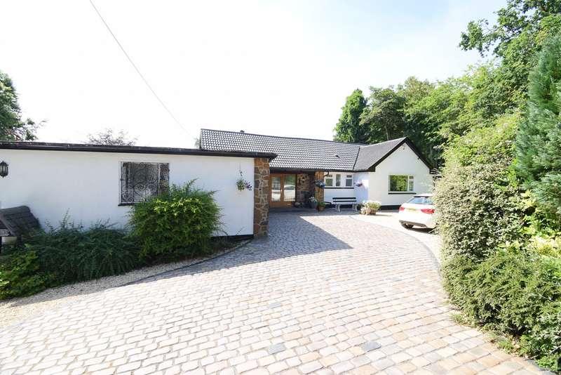 3 Bedrooms Detached Bungalow for sale in Crown Road, Llanfrechfa, Cwmbran, NP44