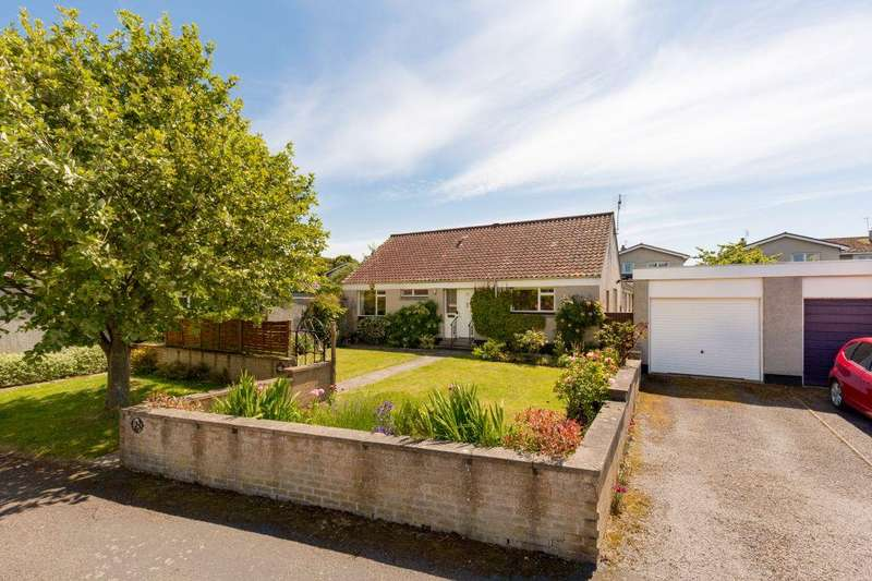 3 Bedrooms Detached Bungalow for sale in 23 Muirfield Park, Gullane, East Lothian, EH31 2DY