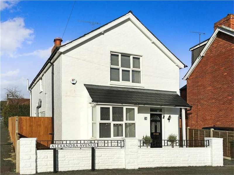 3 Bedrooms Detached House for sale in Alexandra Avenue, CAMBERLEY, Surrey