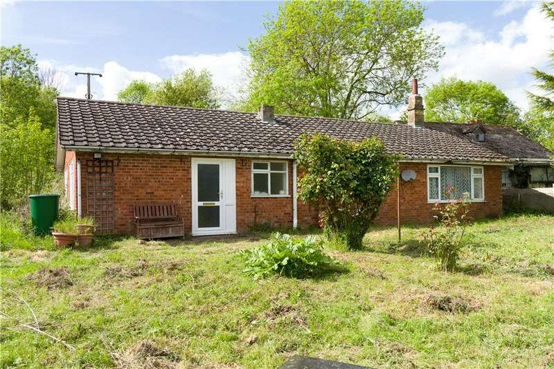 3 Bedrooms Detached Bungalow for sale in Hipton Hill, Lenchwick, Evesham, Worcestershire, WR11