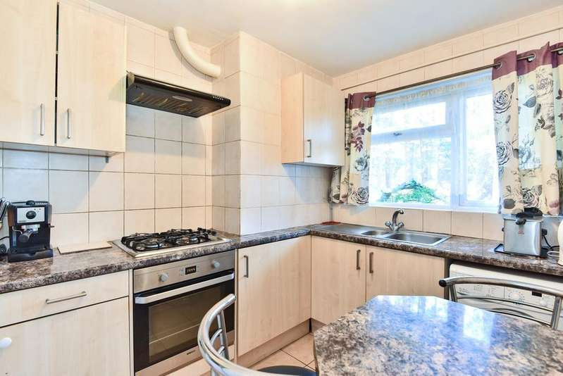 3 Bedrooms Flat for sale in Anerley Road London SE20