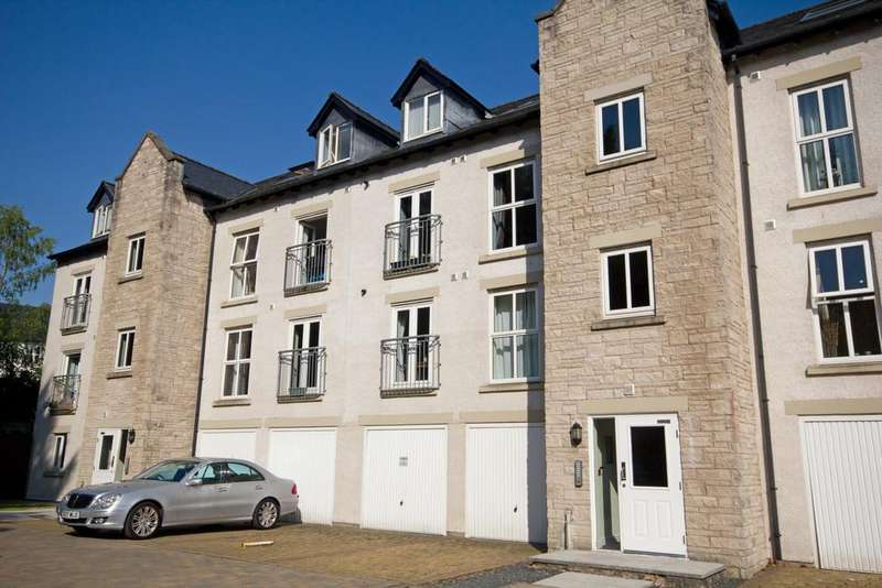 2 Bedrooms Flat for sale in Kirkstone Close, Kendal, Cumbria